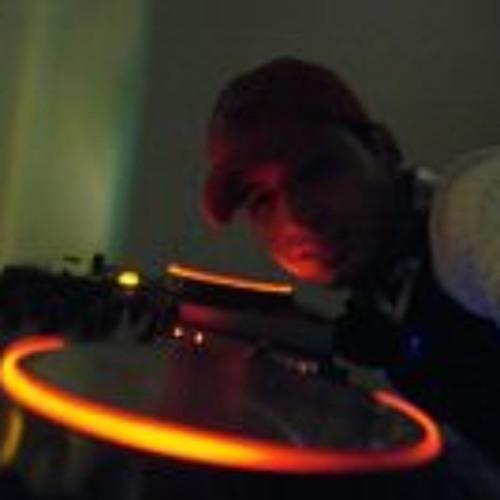 Luciano Arthur's avatar