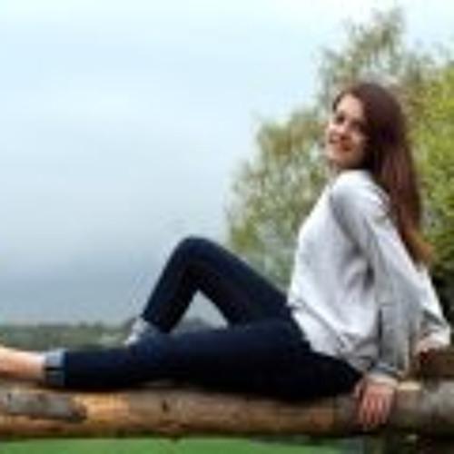 Annika Gross 1's avatar