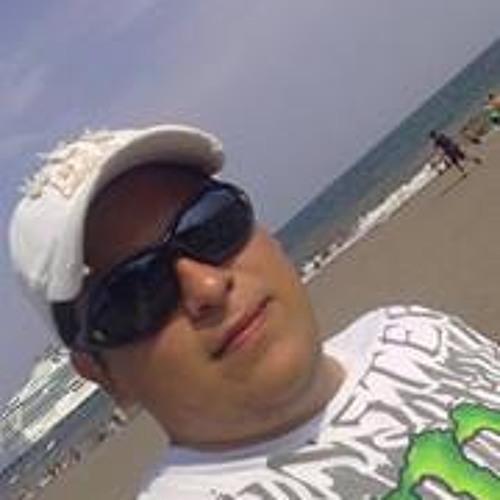 Roy Ch 1's avatar