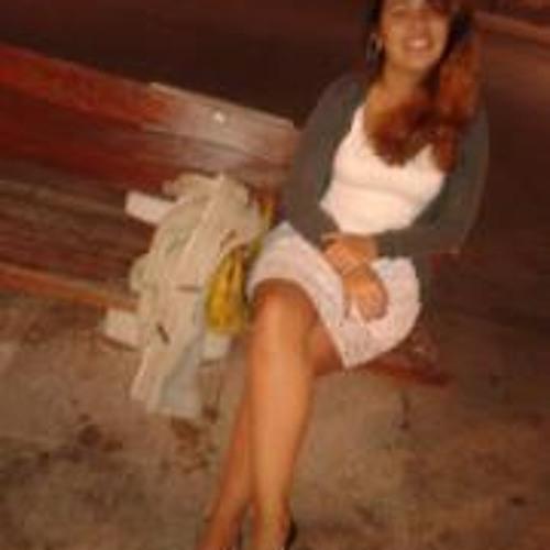 Daniela Coelho 7's avatar