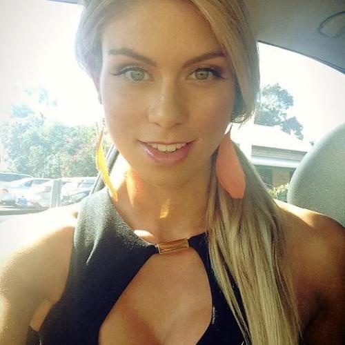 Erica Love U's avatar