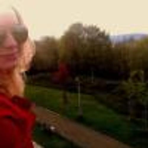 Michaela Em's avatar
