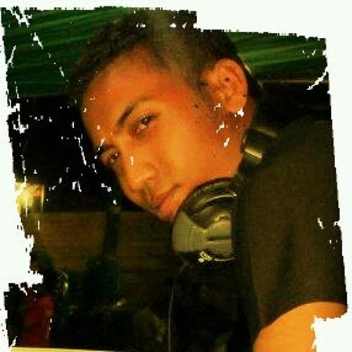 aldy fernandez's avatar