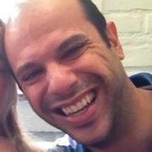 Benê Carvalho's avatar