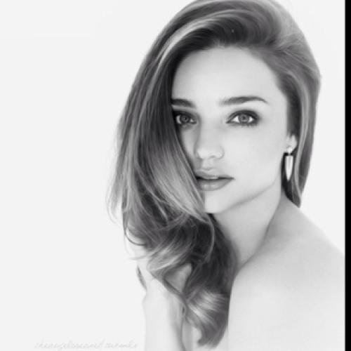 Miss Ayu Pratiwi's avatar