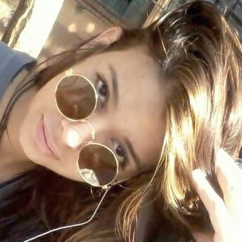 Gabi trevisani's avatar