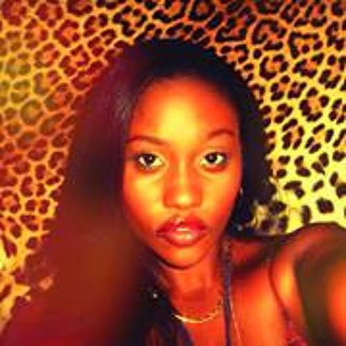 Laureen Leen's avatar