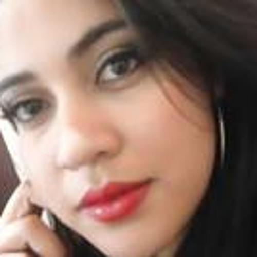 Carolina Vitória Soares's avatar