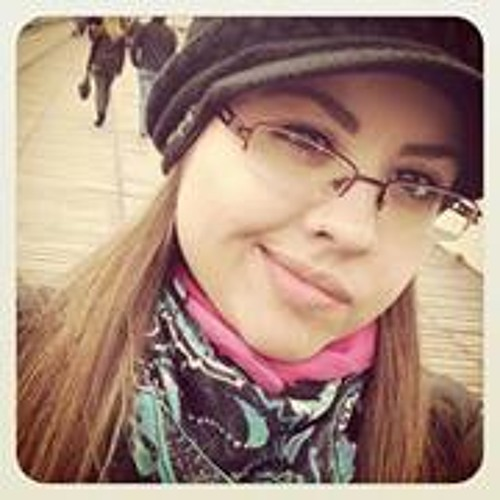 Paty Passos's avatar