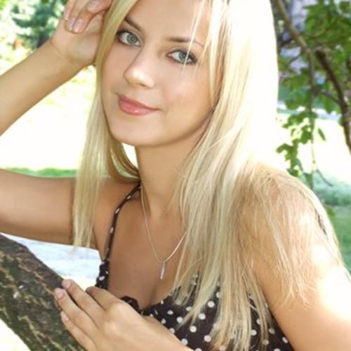 nadiaali36478's avatar
