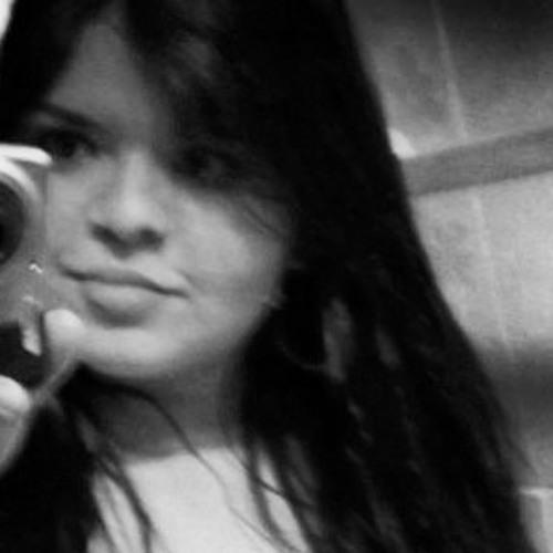 Natália Menabó's avatar