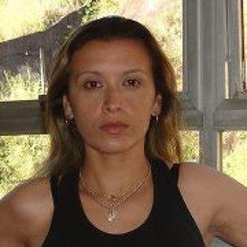 Magali Barros Lopes's avatar