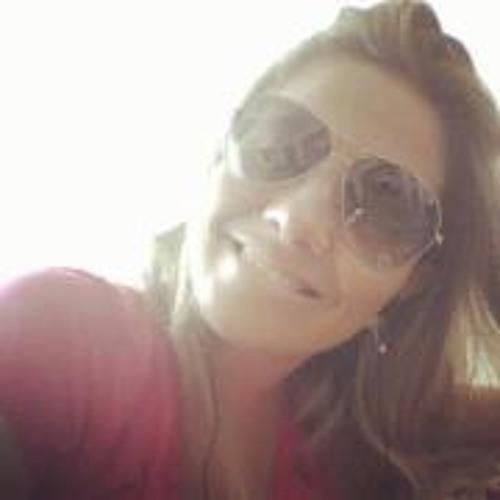 Fabi Amaral's avatar