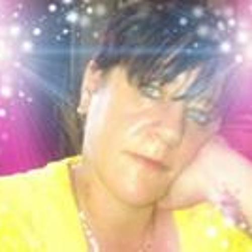 Sarah Clayton 4's avatar