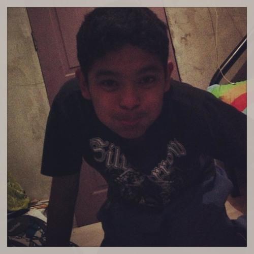 13foreverbeMaYz13<3's avatar