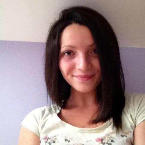 Elena Mrr's avatar