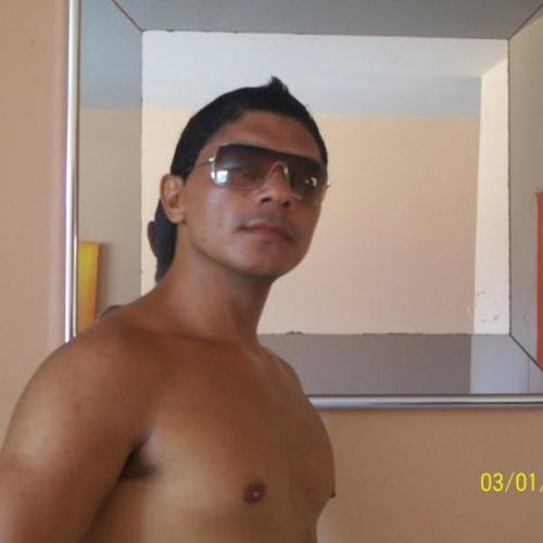 Elton Carvalho's avatar