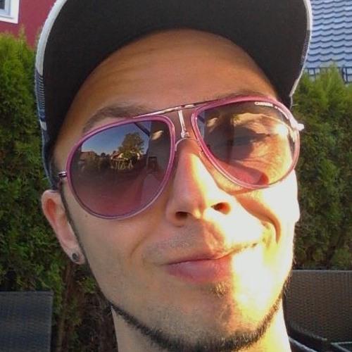 d(^_^)b NicDeBoe d(^_^)b's avatar