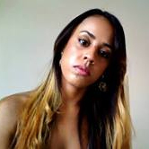 Erica Michele's avatar