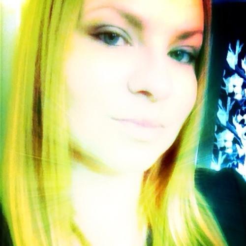 karolina883201's avatar
