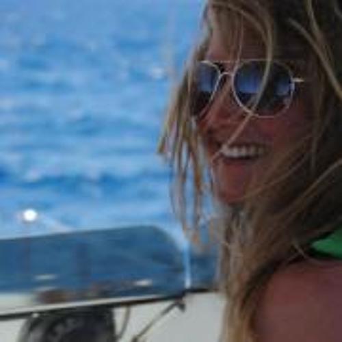 Asha McGowan's avatar
