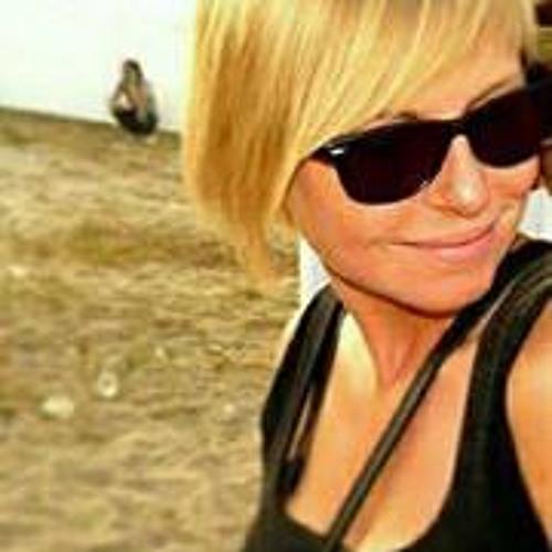 Carole Clette's avatar