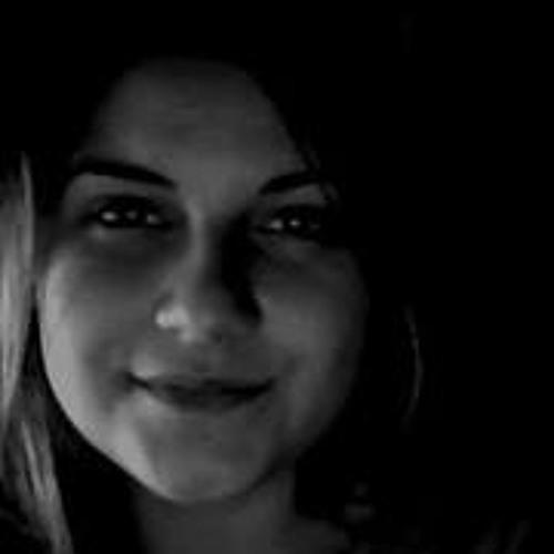 Luana Casagrande's avatar