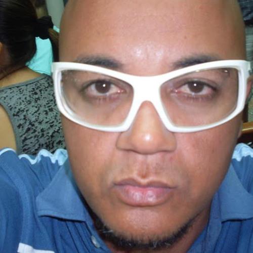 Shehu Sahad's avatar