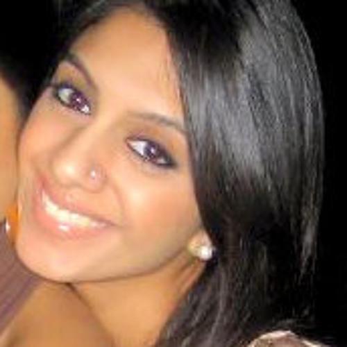 Simren Gill's avatar