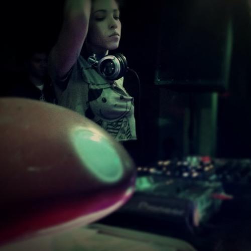 DJ Snow White's avatar