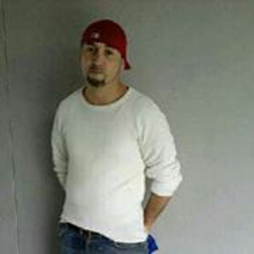Edward Castillo 9's avatar