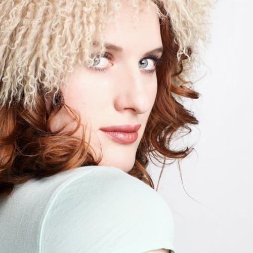 Lindsay Katt's avatar