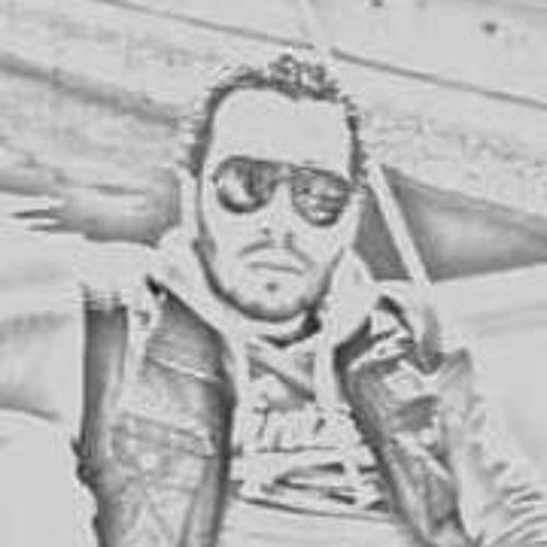 Hesham Geox's avatar