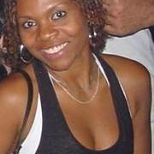 Andressa Morenos's avatar