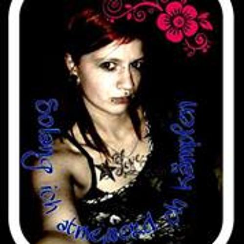 Lisa Pluntke's avatar