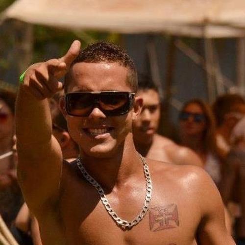 Gustavo Gunner's avatar