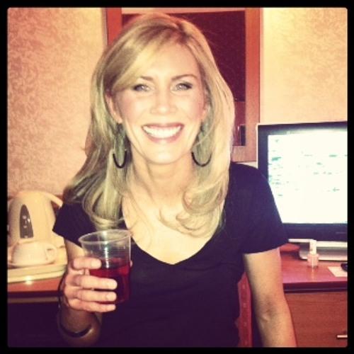 Karen Reilly's avatar