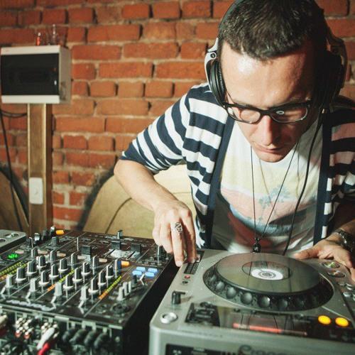 Dmitry Purple = DJ Purple's avatar