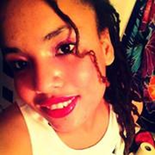 Maria Hardy's avatar