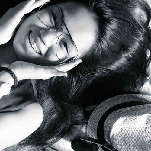 Lorielle Almojuela's avatar