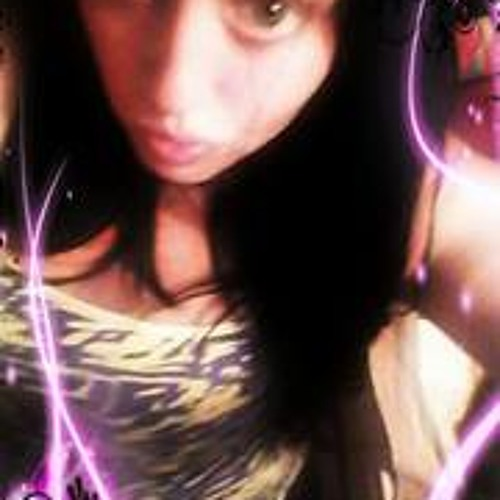 Kira Leonard's avatar