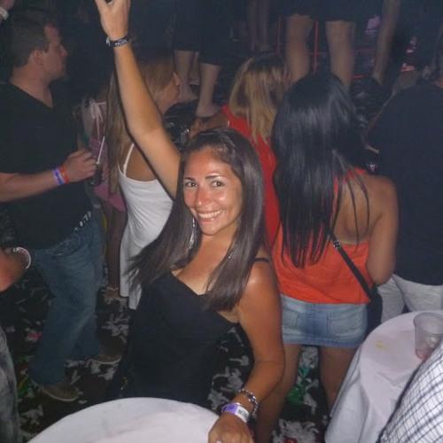 Lorena Cuadros's avatar