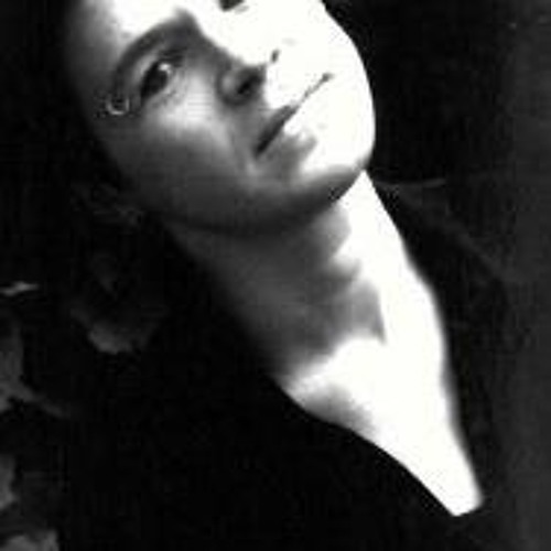 Caroline Jago's avatar
