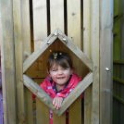 Emilyy Kellyy's avatar