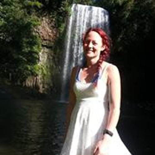 Dee Cassar's avatar