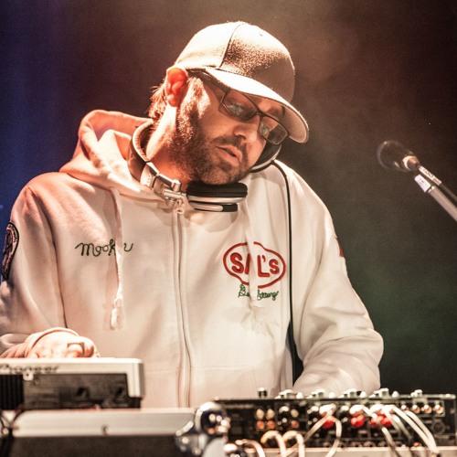 DJ D-Yazz's avatar