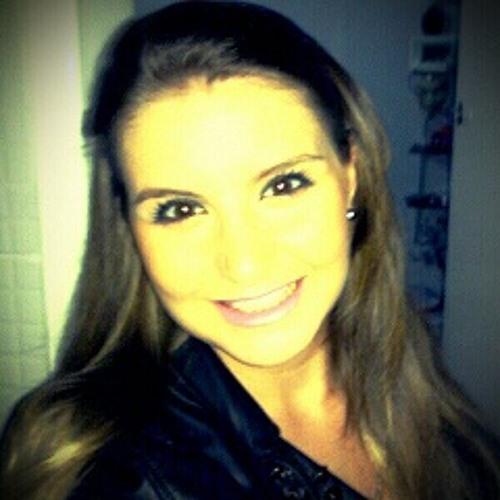 Isabella Aguiar's avatar