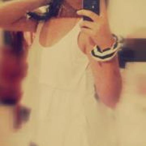 Gianella Carbajal Tataje's avatar