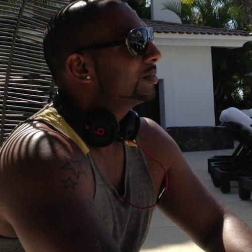 Shane Warnakula's avatar