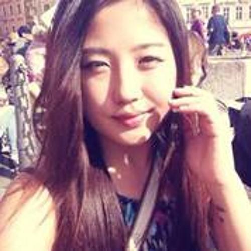 Jenny Yoonji's avatar